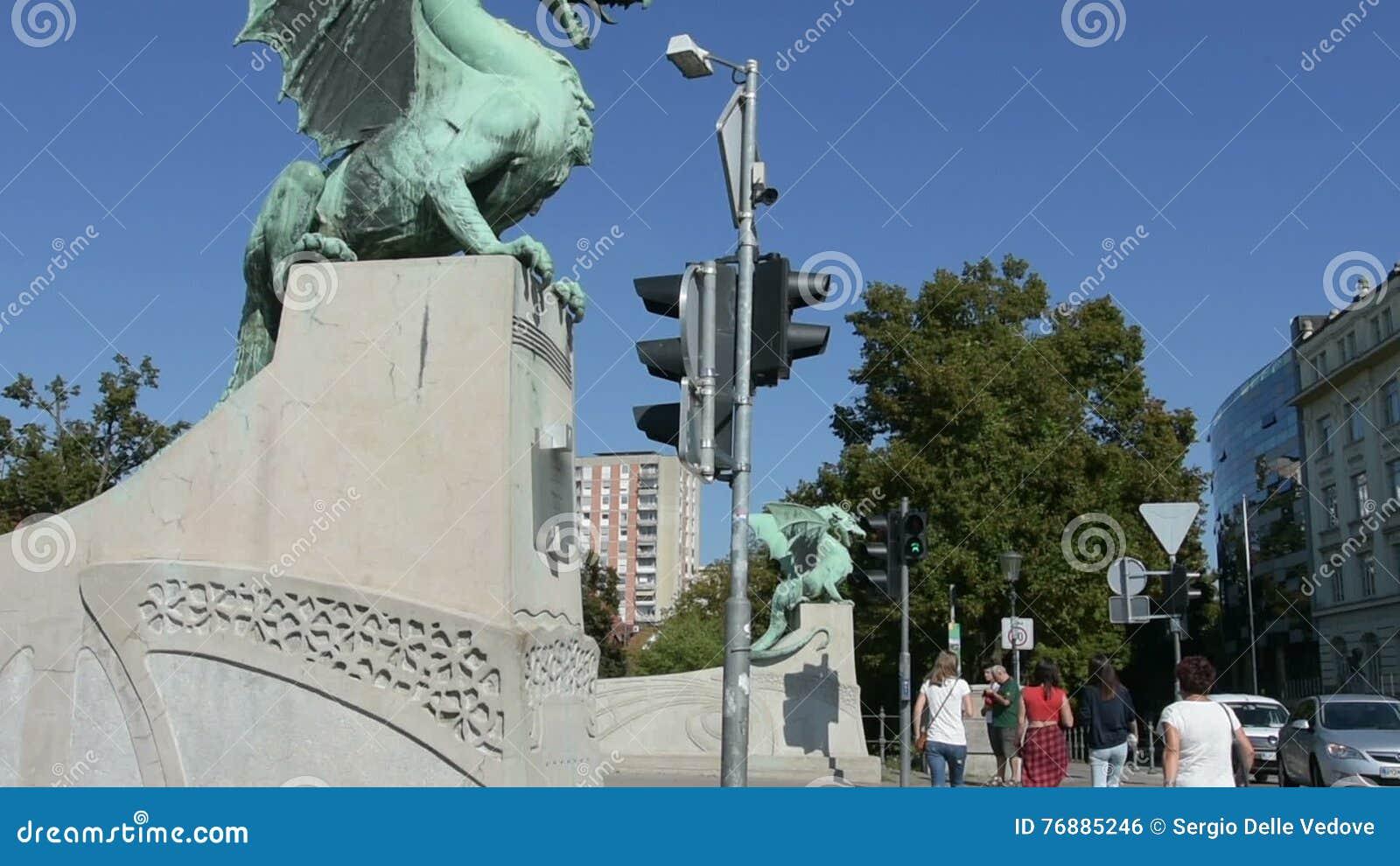 Vista Del Puente De Los Dragones En Ljubljana Metrajes Video De