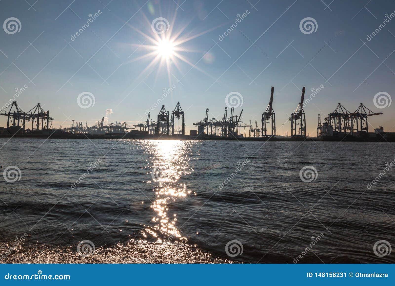 Vista del puerto de Hamburgo
