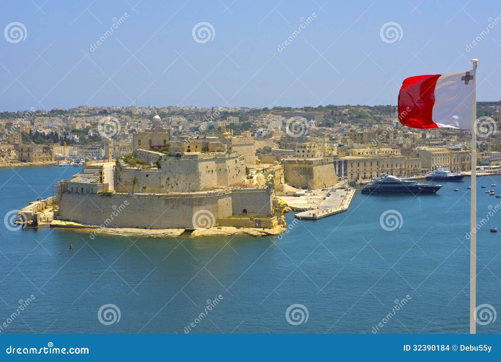 Vista del puerto magnífico, La Valeta, Malta.