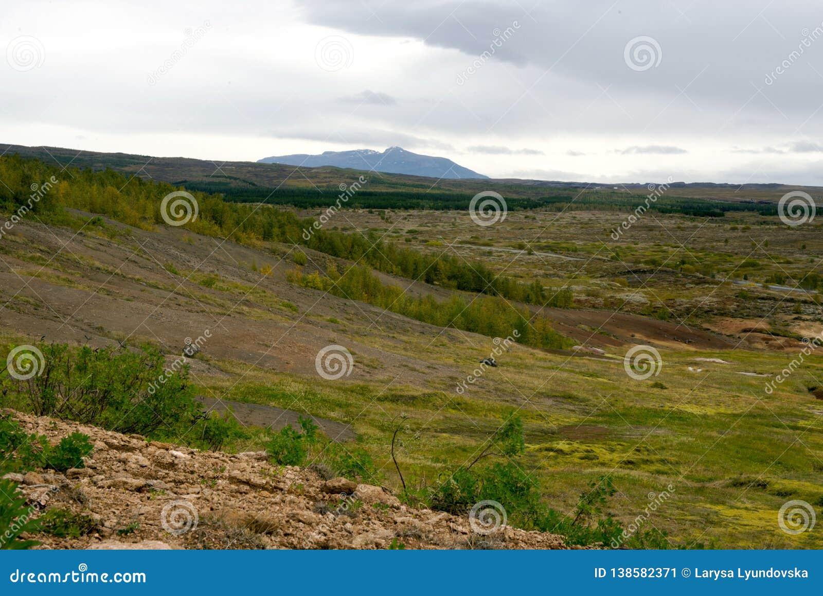 Vista del valle Haukadalur, Islandia