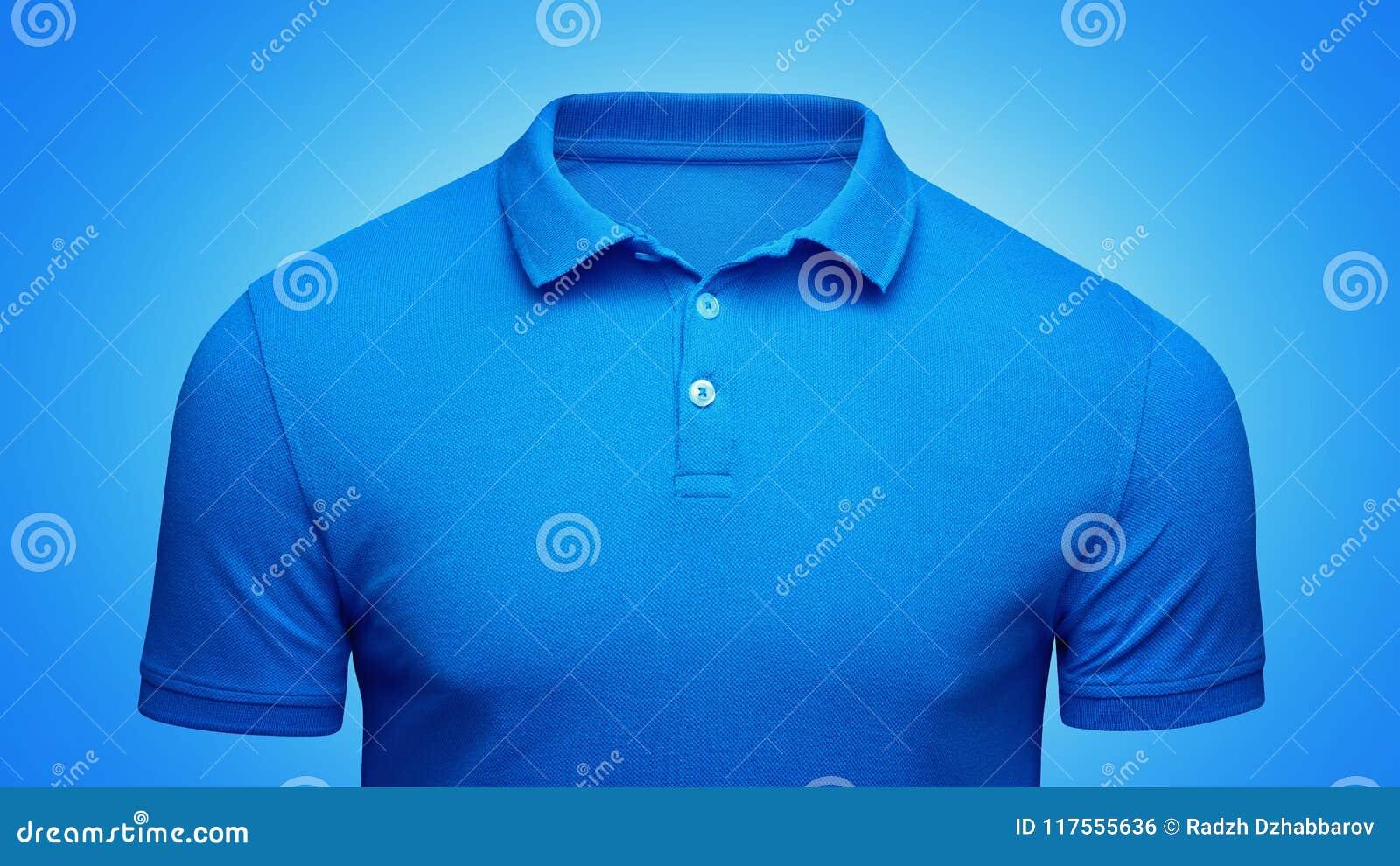 Vista delantera del polo de la plantilla del primer azul del concepto Maqueta de la camiseta del polo con el espacio vacío en el