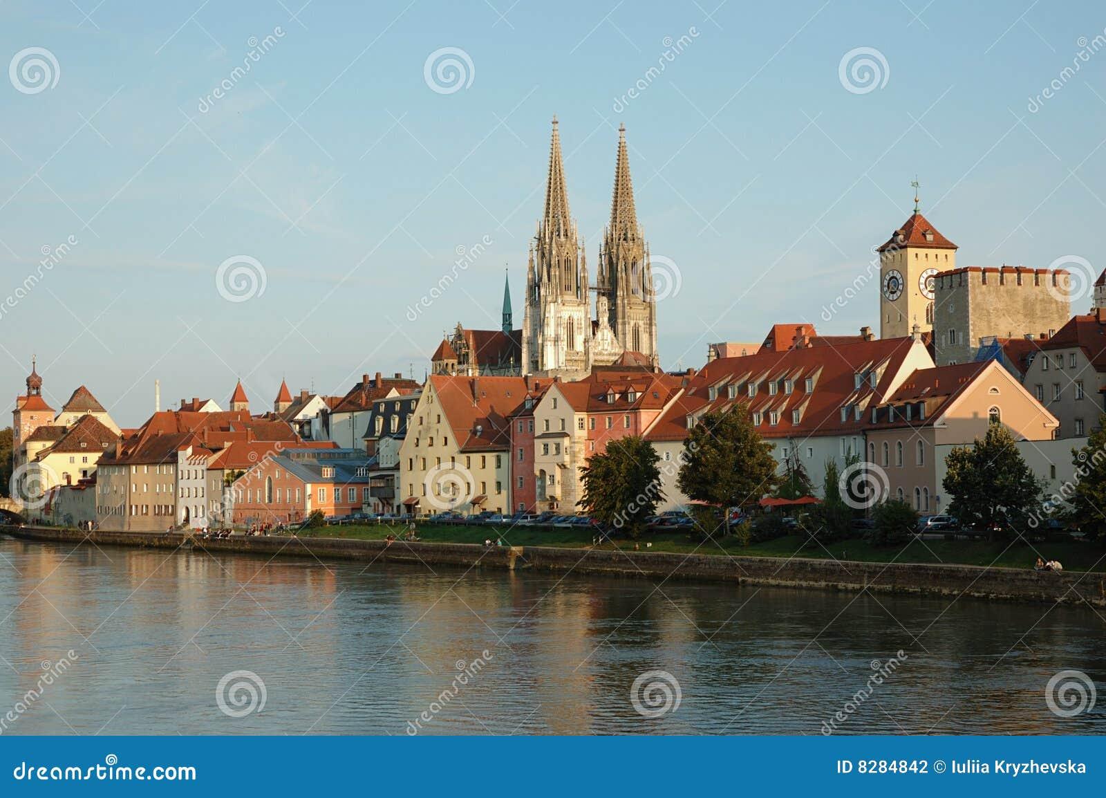 Vista dell argine di Regensburg, Baviera, Germania