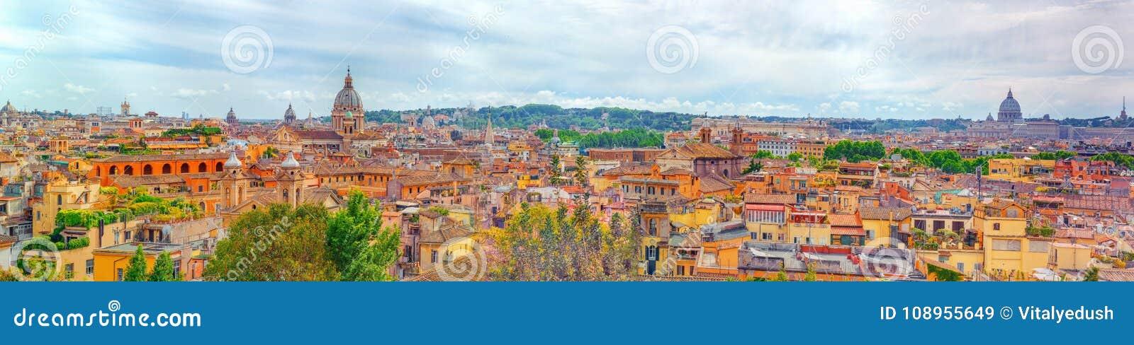 Vista Della Città Di Roma Da Sopra Dalla Collina Di