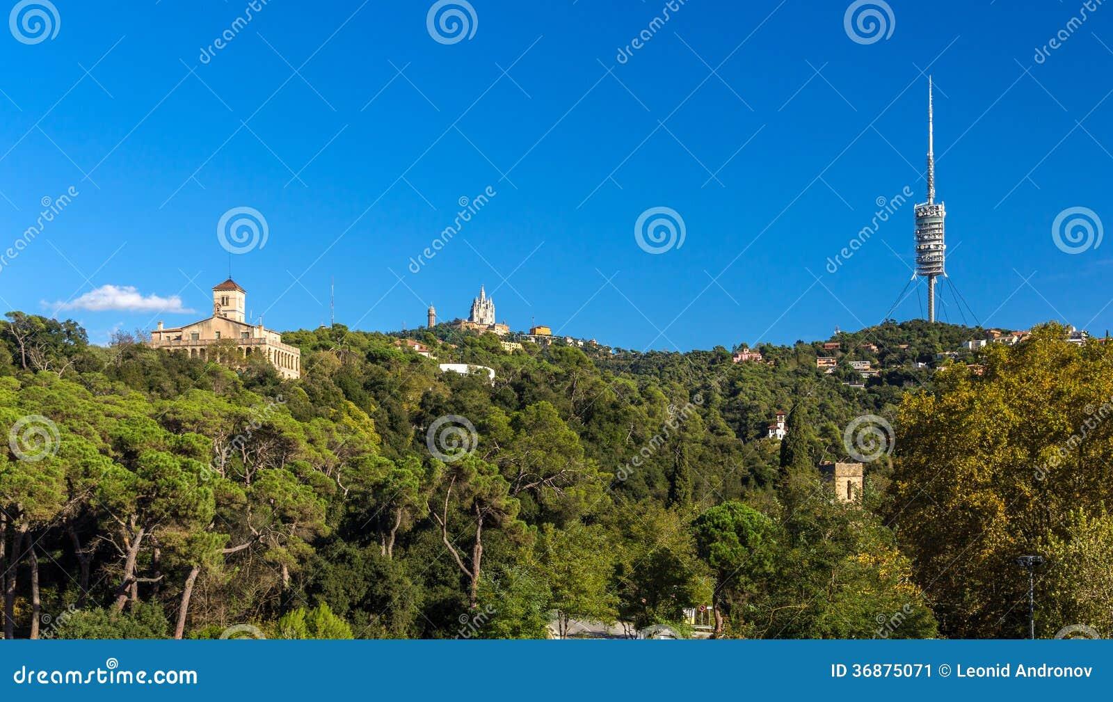Download Vista Della Montagna Di Tibidabo A Barcellona, Spagna Immagine Stock - Immagine di costruzione, christ: 36875071