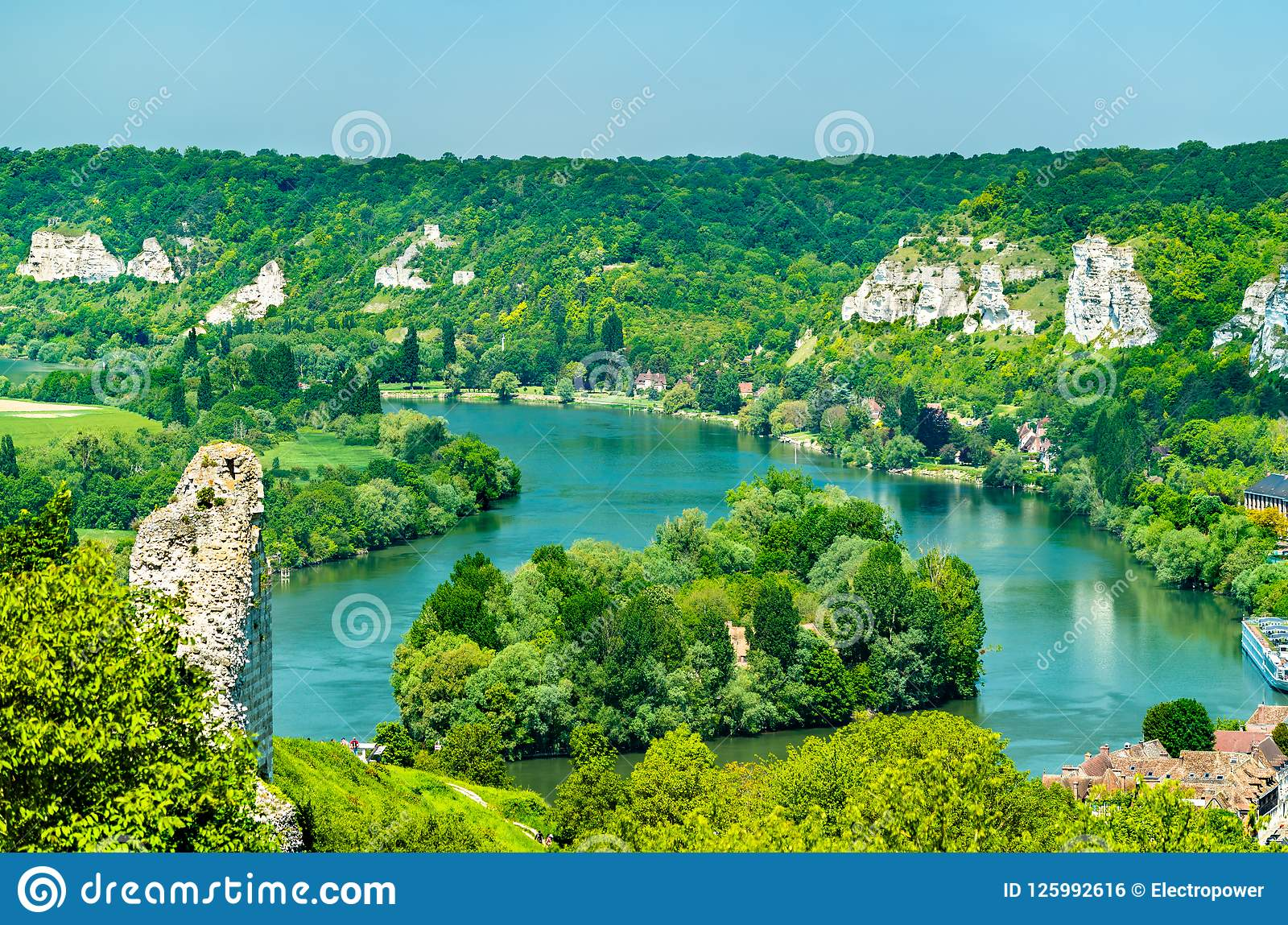 Vista della Senna a Les Andelys in Normandia, Francia