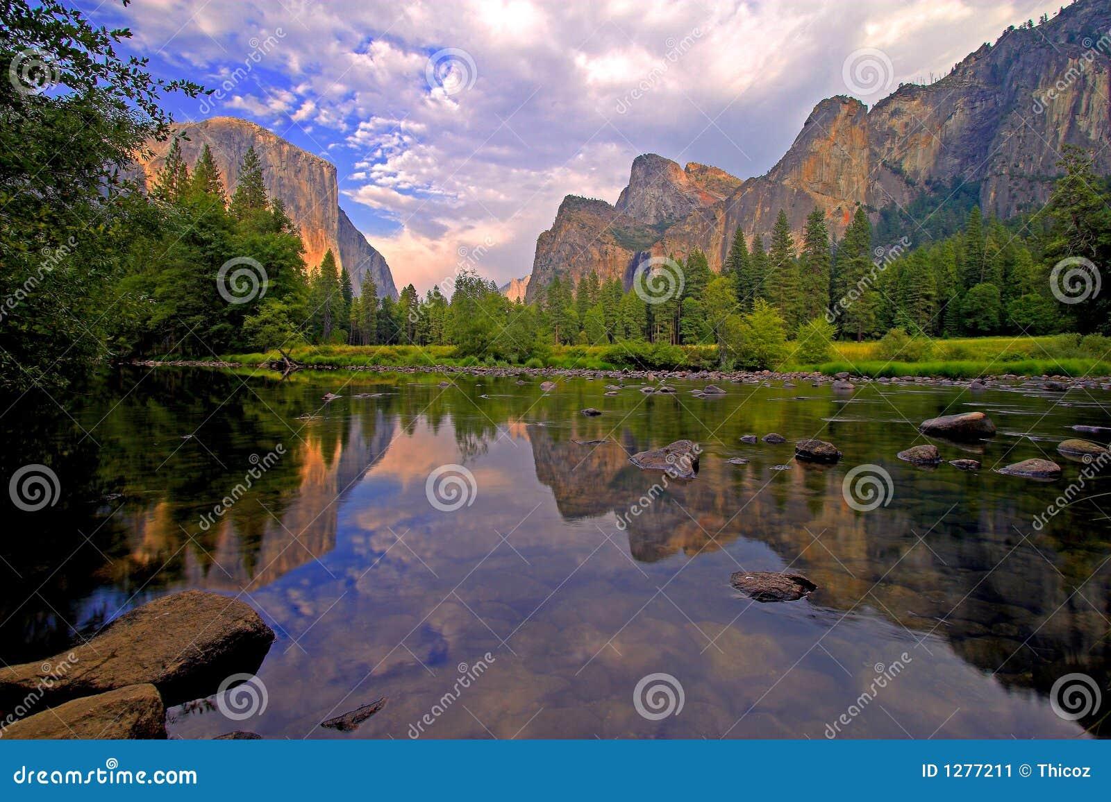 Vista della valle del Yosemite
