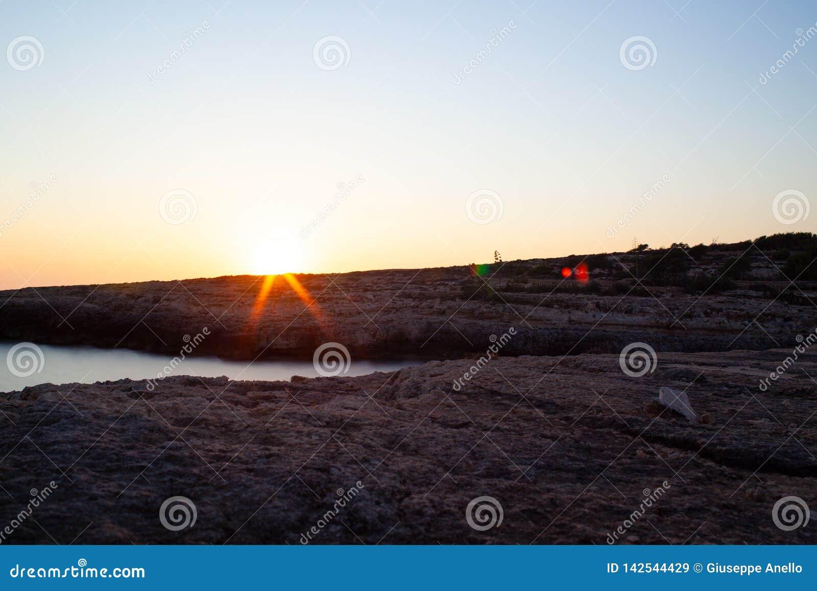 Vista di Cala Grega, Lampedusa