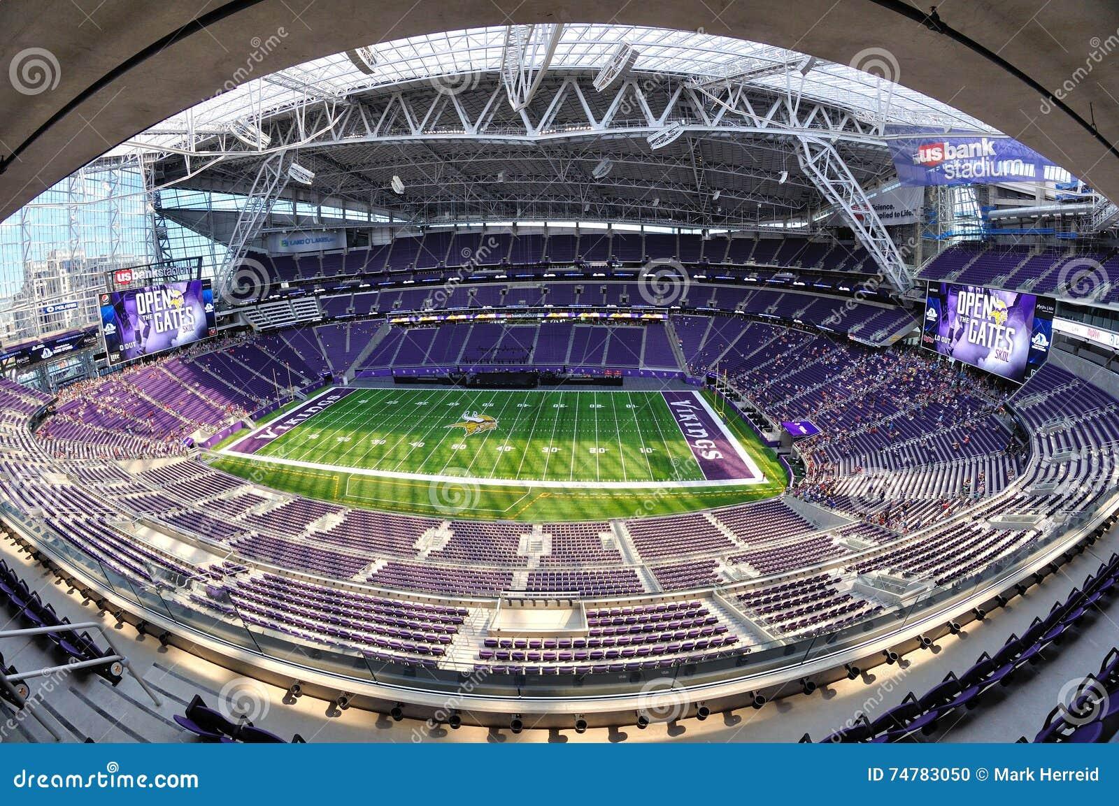 Vista di Fisheye dello stadio della Banca degli Stati Uniti di Minnesota Vikings a Minneapolis