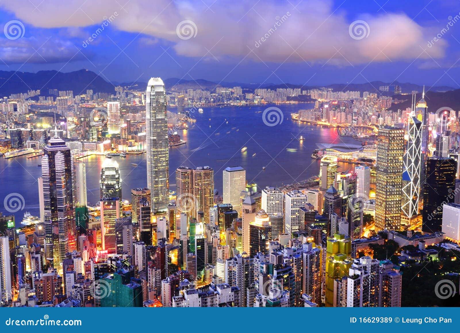 Vista di notte di Hong Kong
