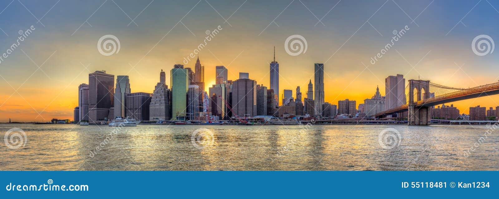 Vista di panorama dell orizzonte di New York e del bri del centro di Brooklyn