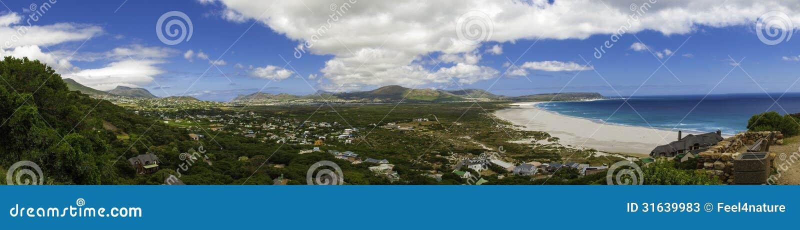 Vista di panorama della spiaggia di Città del Capo