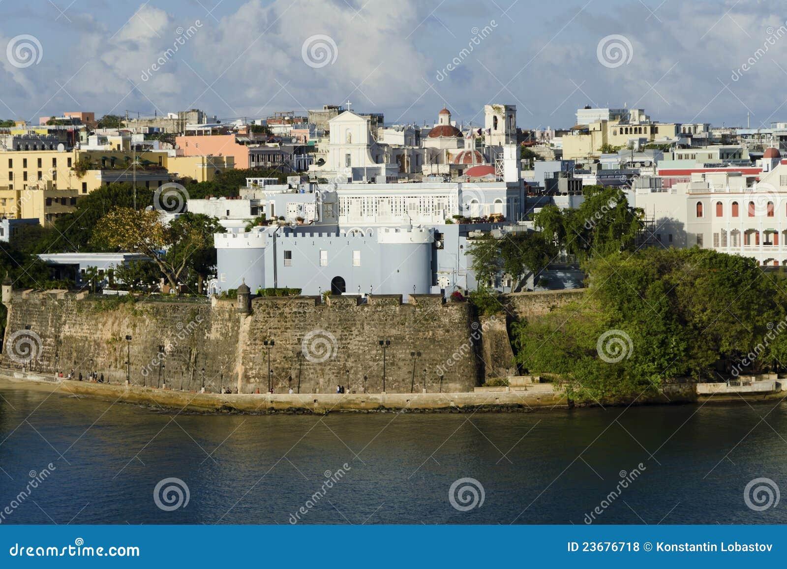 Vista di sera su vecchio San Juan, Porto Rico