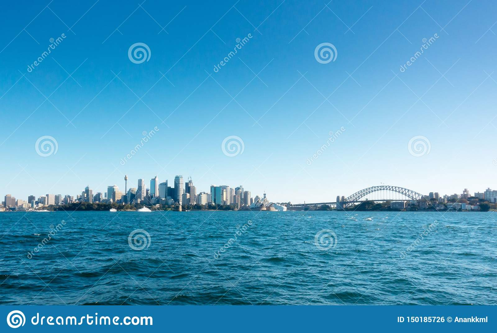 Vista di Sydney CBD dal traghetto