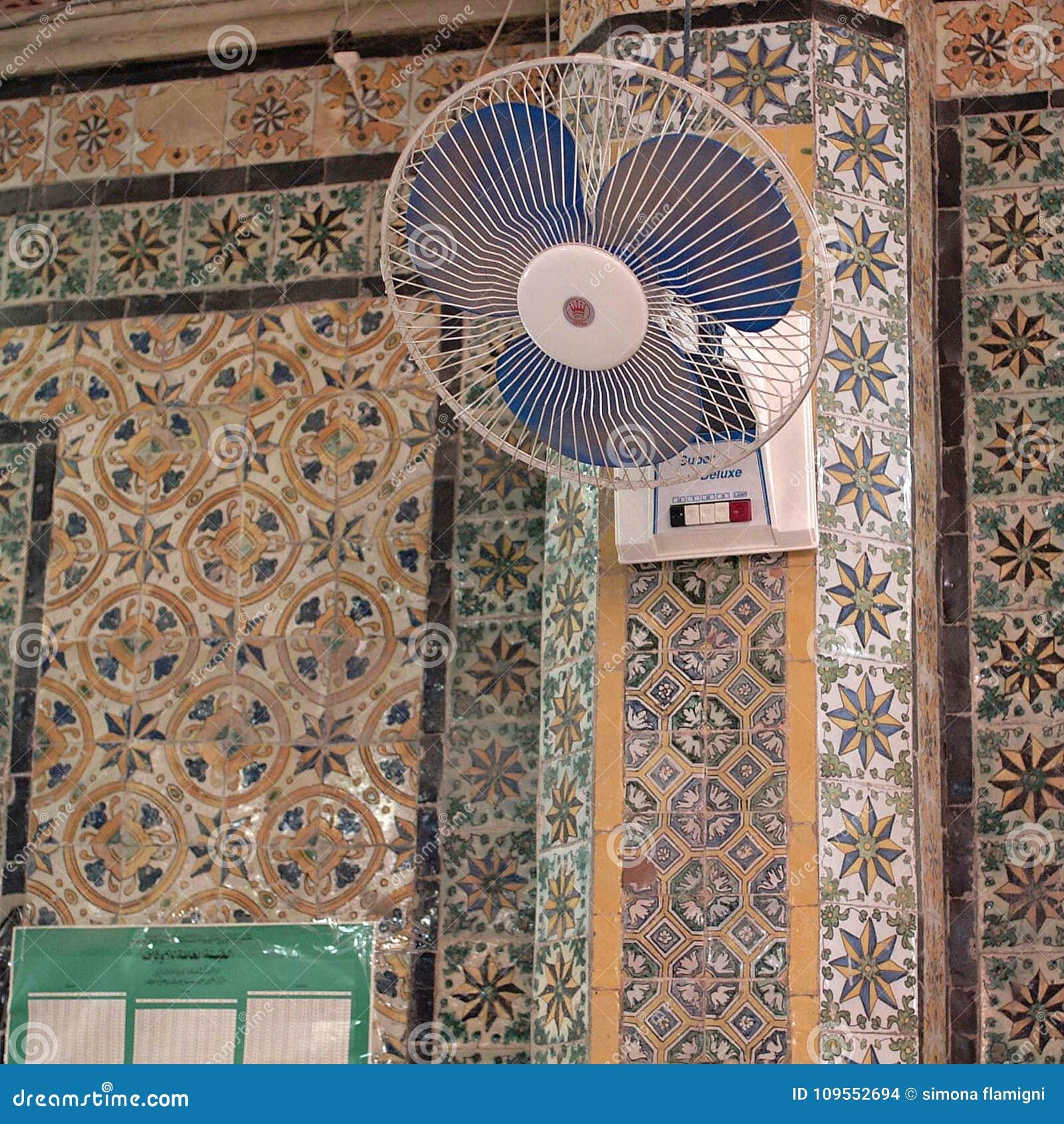 Vista di un interno della moschea