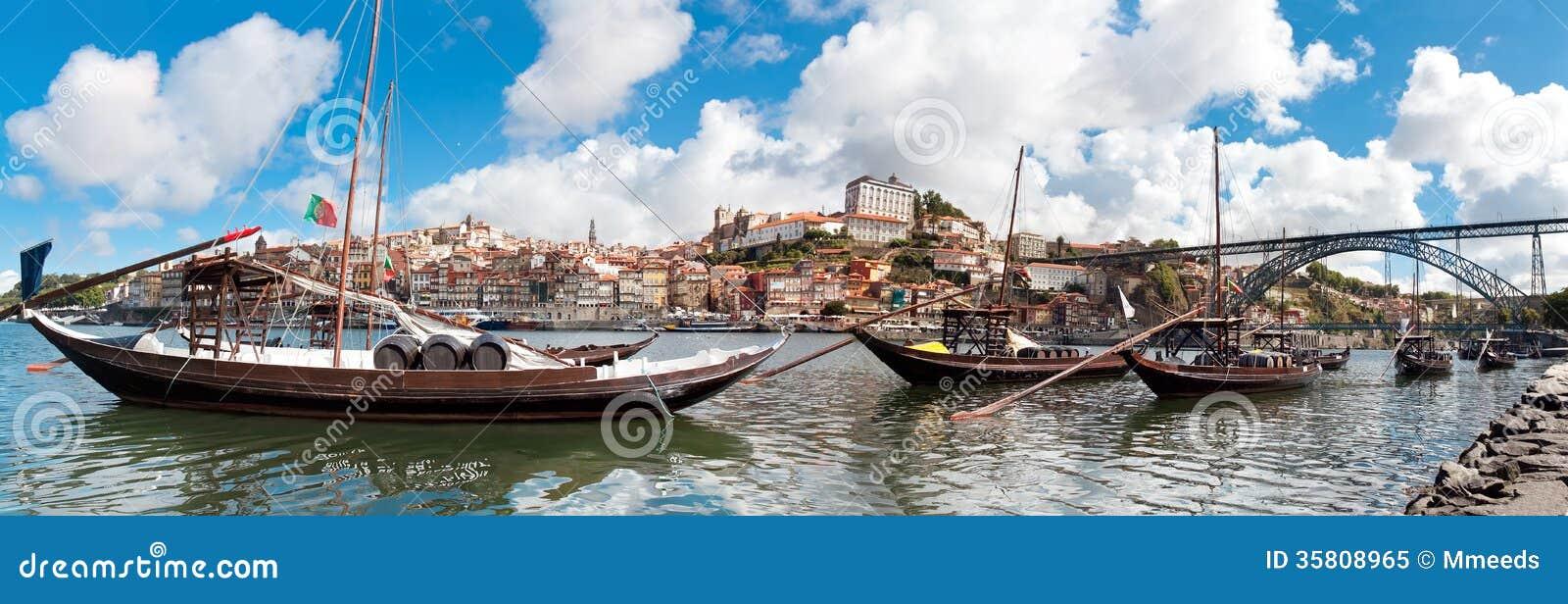 Vista di vecchia città di Oporto, Portogallo