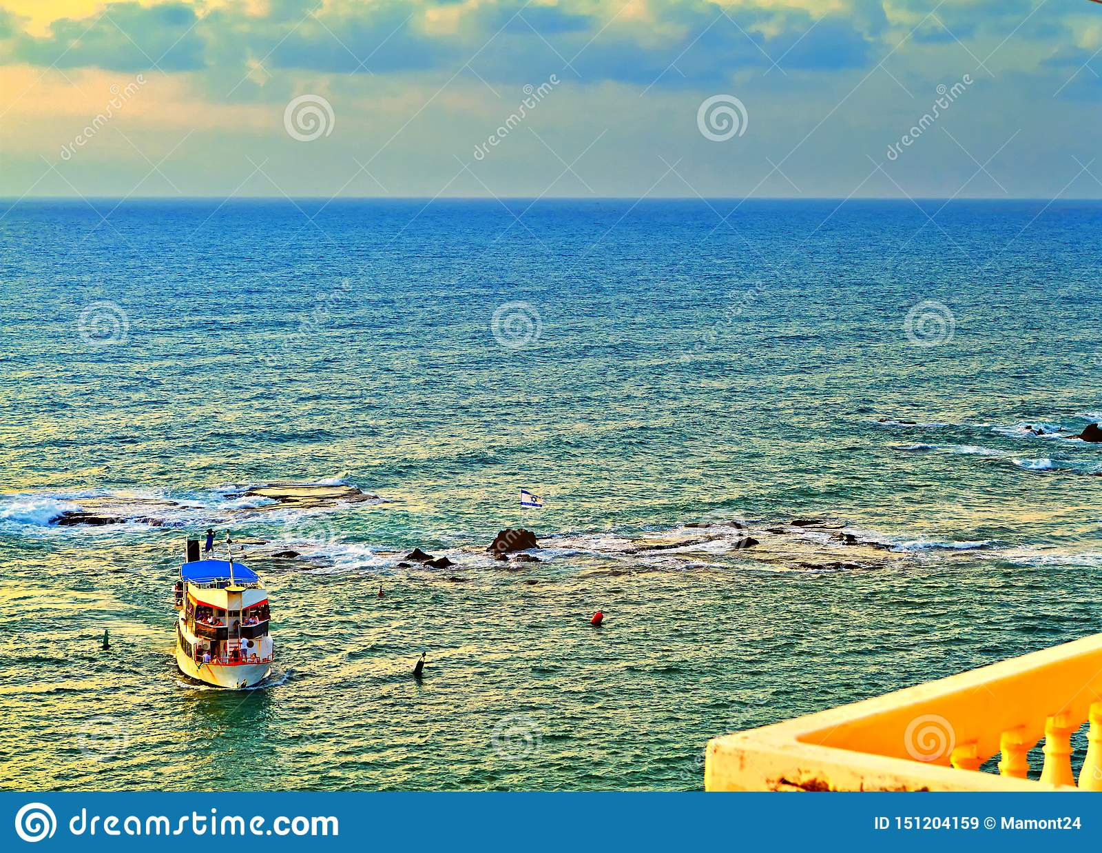Vista do Jaffa velho ao mar Mediterrâneo