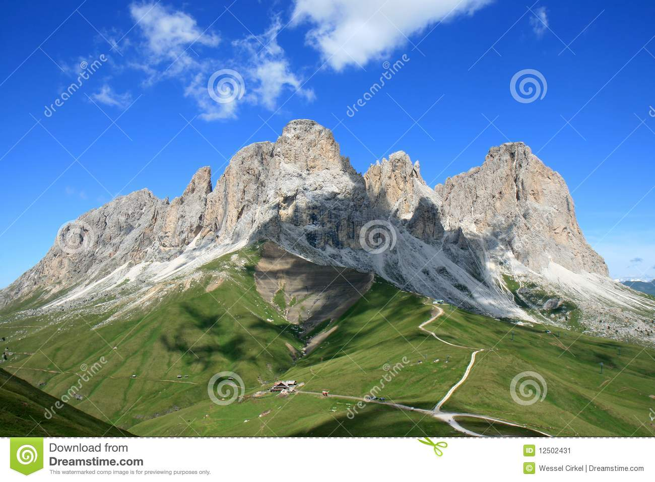 Vista do Massif de Sassolungo, dolomites italianas