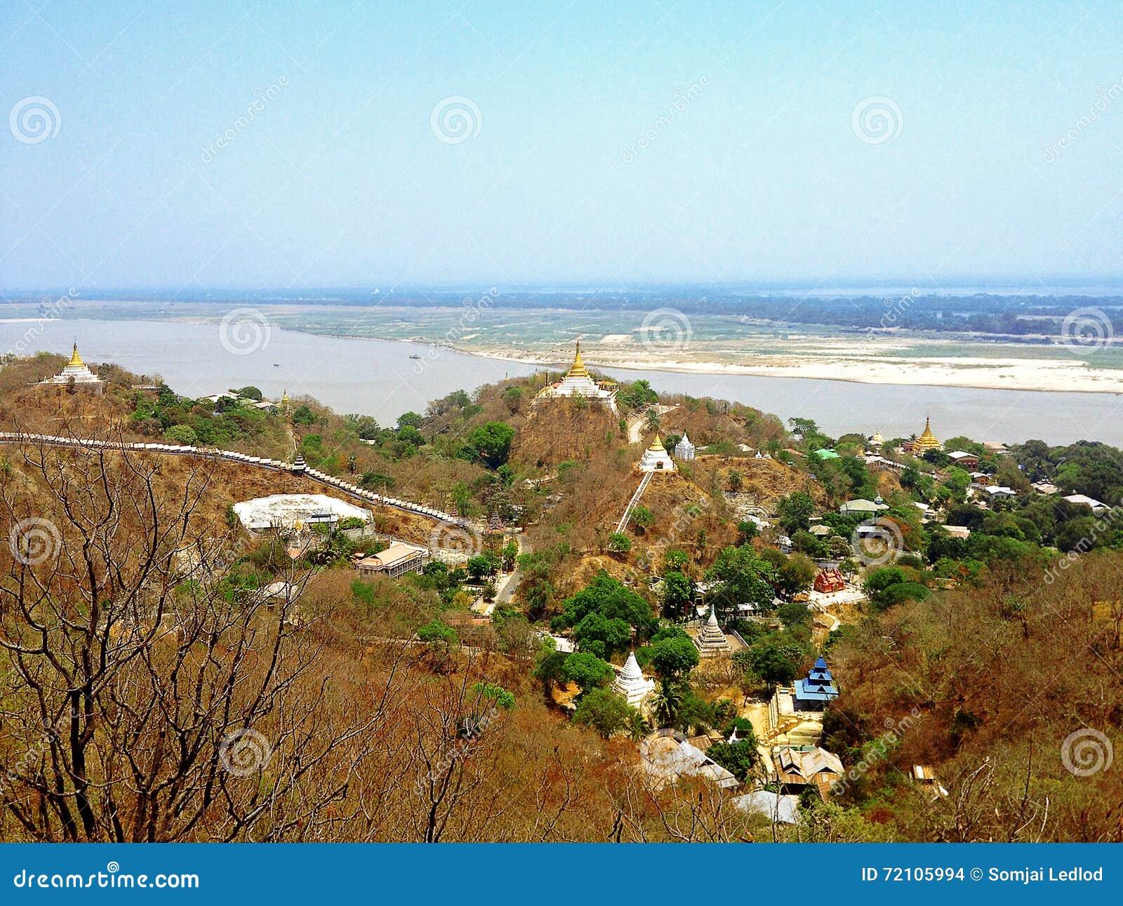 Vista do monte de Sagaing