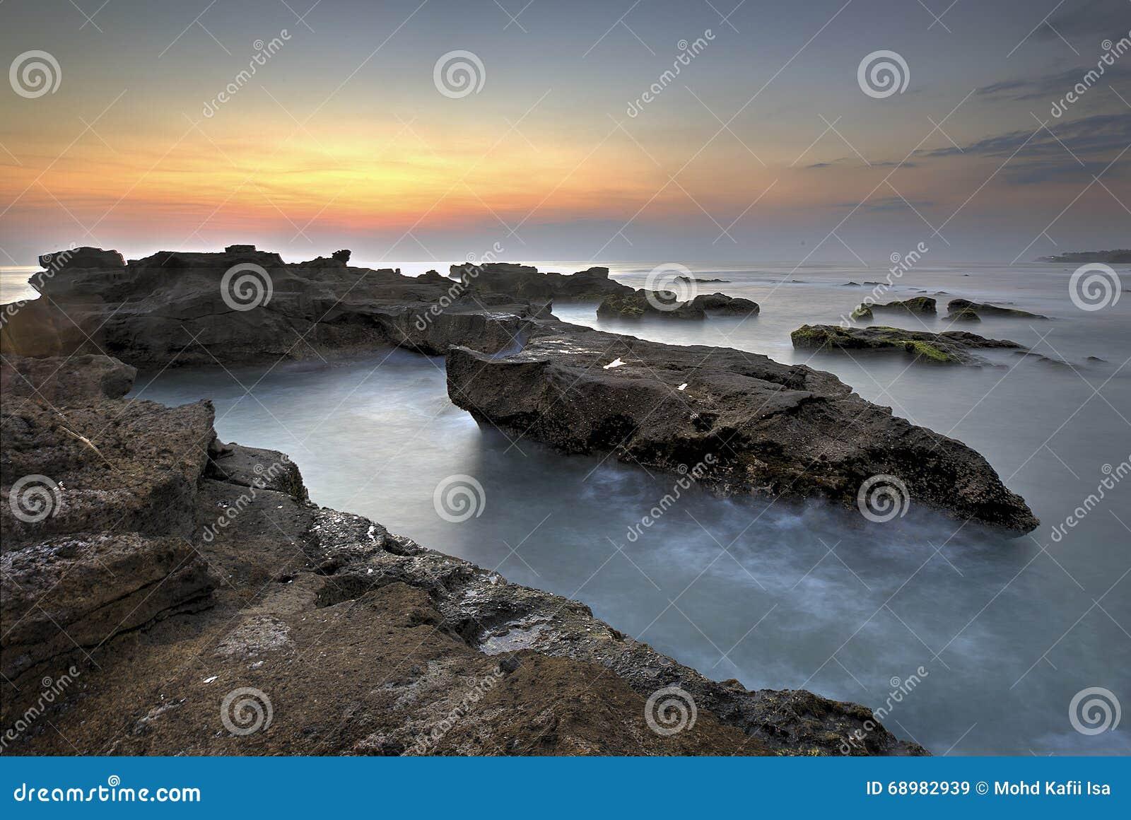 Vista escénica de la playa en Bali