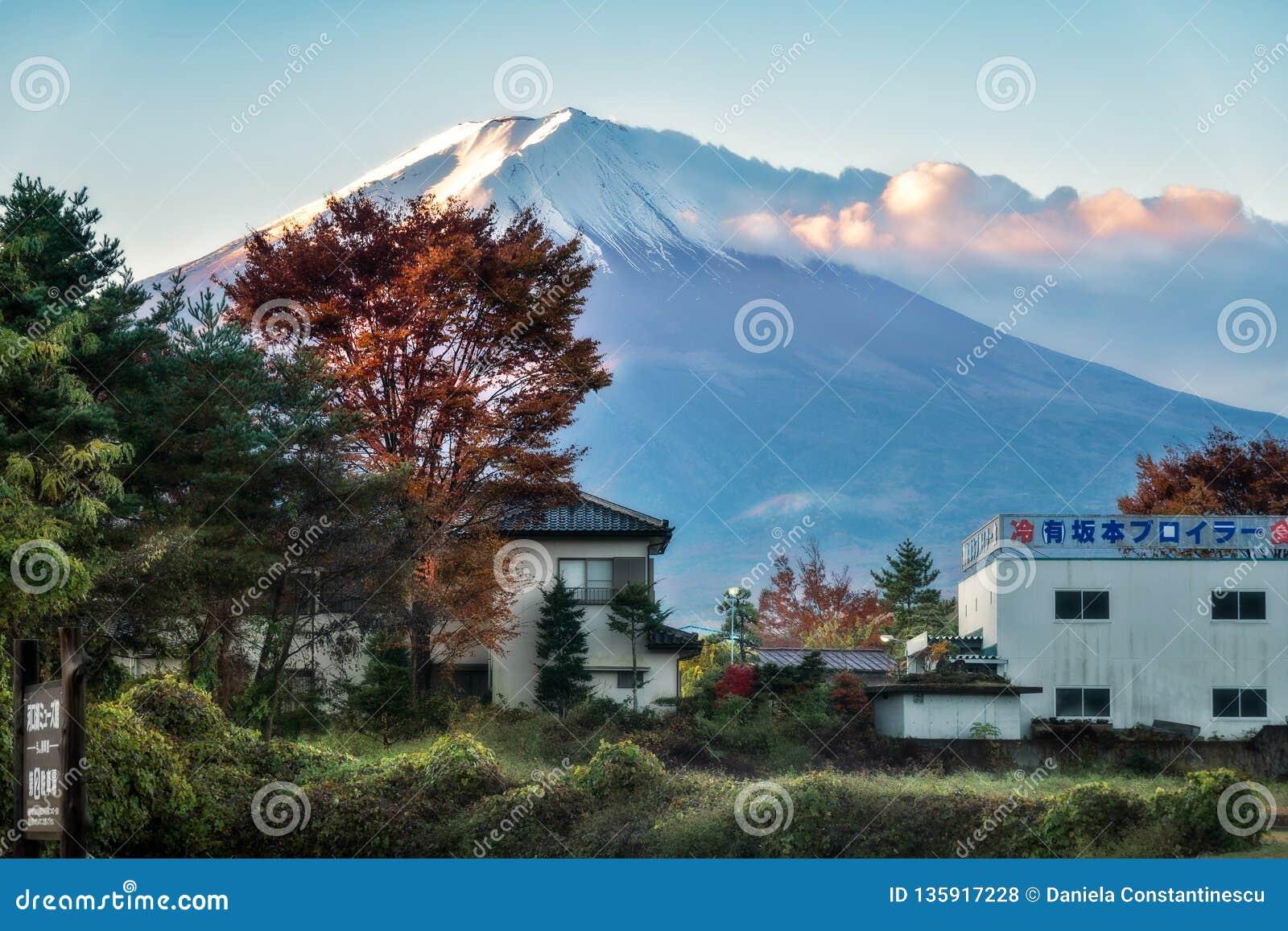 Vista espectacular del monte Fuji en FujiKawaguchiko, Japón