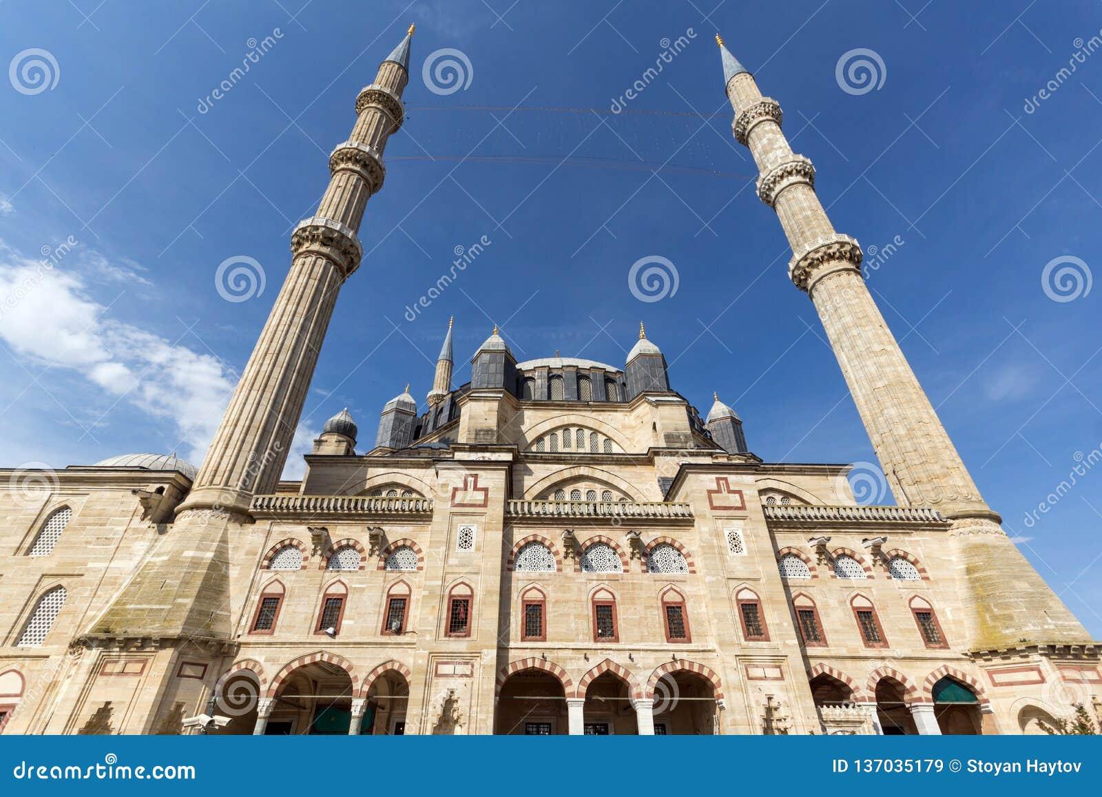 Vista exterior de la mezquita de Selimiye construida entre 1569 y 1575 en la ciudad de Edirne, Tracia del este, Turke