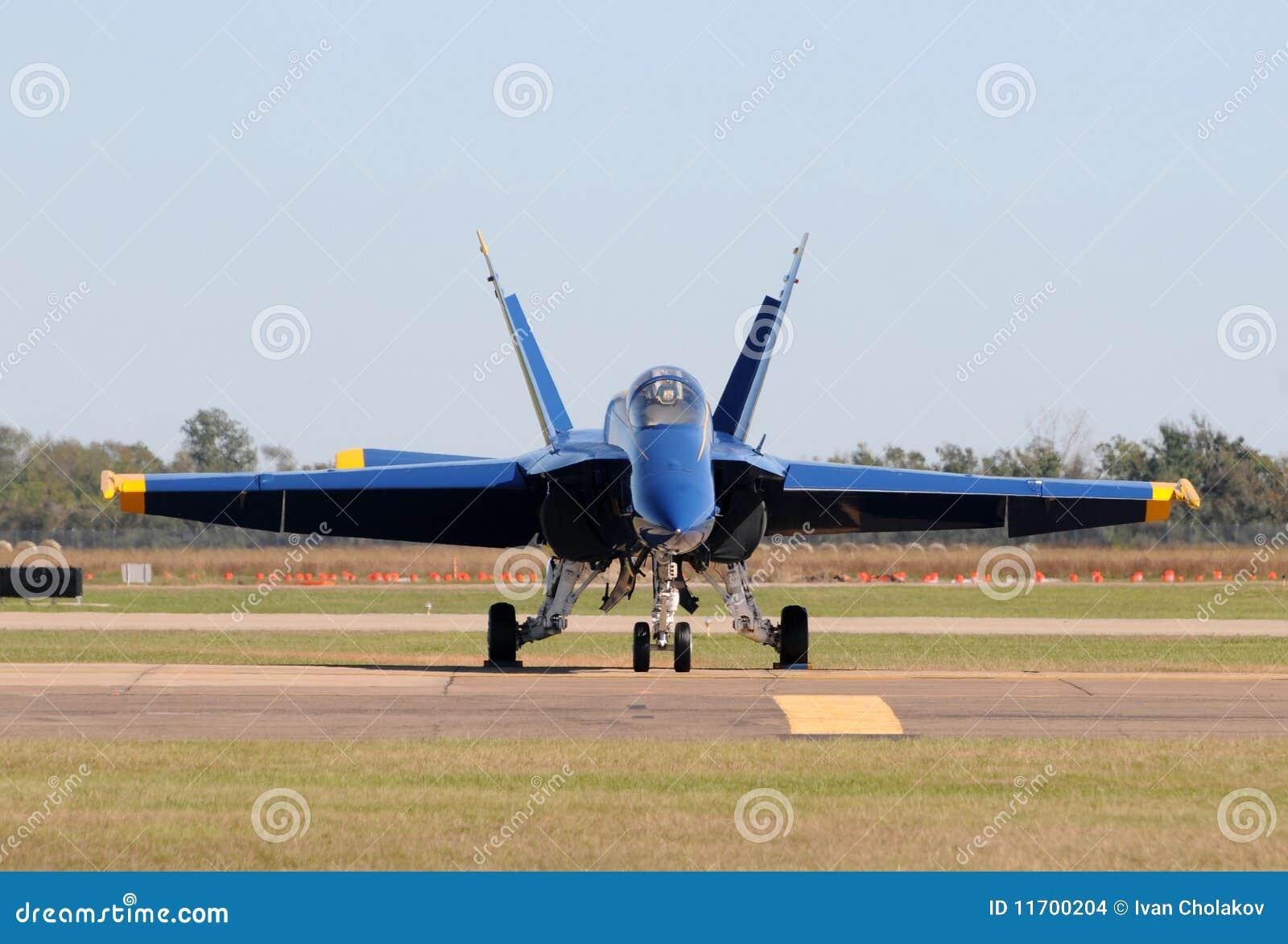 Aereo Da Caccia Americano : Vista frontale dell aereo da caccia moderno immagini stock
