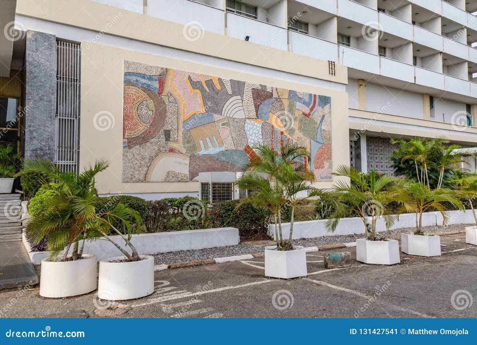 Vista frontale dell hotel primo Ibadan Nigeria