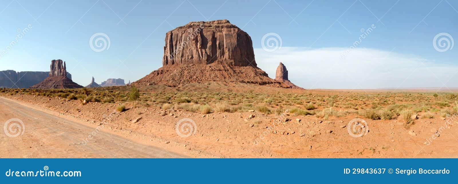 Vista geral no vale do monumento