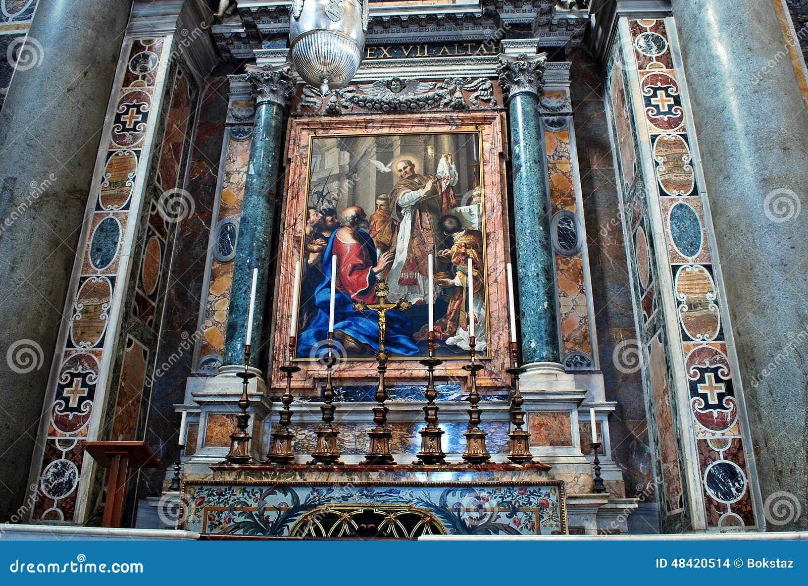 Vista interna da basílica de St Peter o 31 de maio de 2014