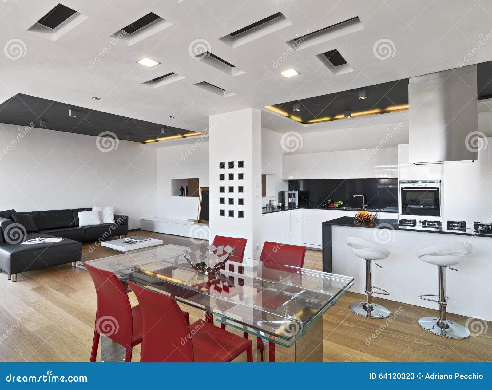 Vista Interna Di Sala Da Pranzo E Sulla Cucina Fotografia