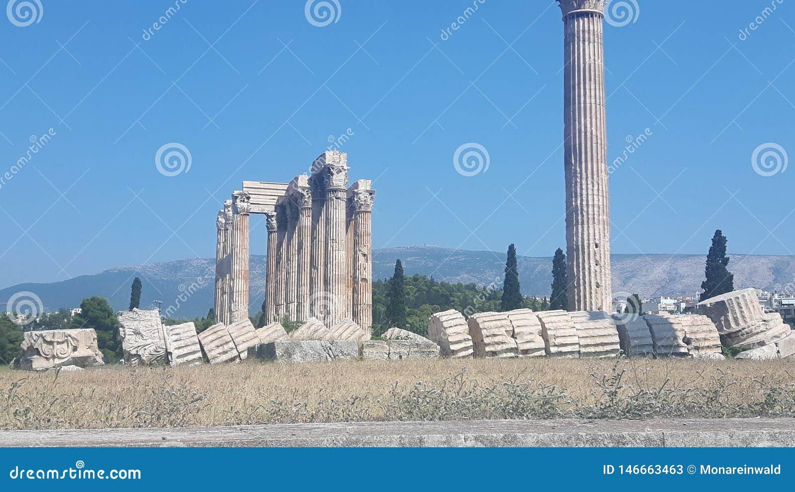 Vista a la acr?polis en Atenea en Grecia