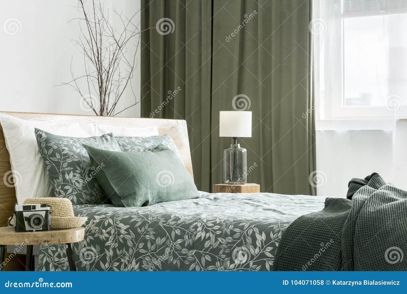 Vista lateral de la cama