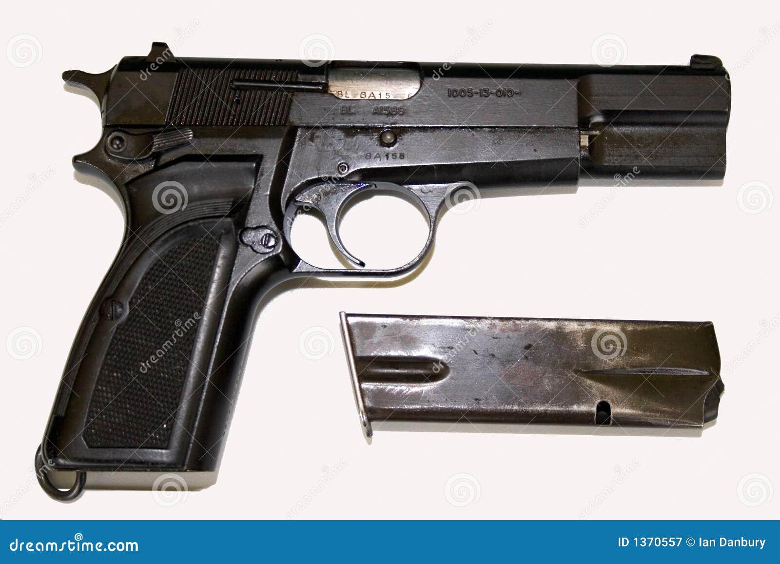 Vista lateral de la pistola fotograf a de archivo libre de - Pistola para lacar ...