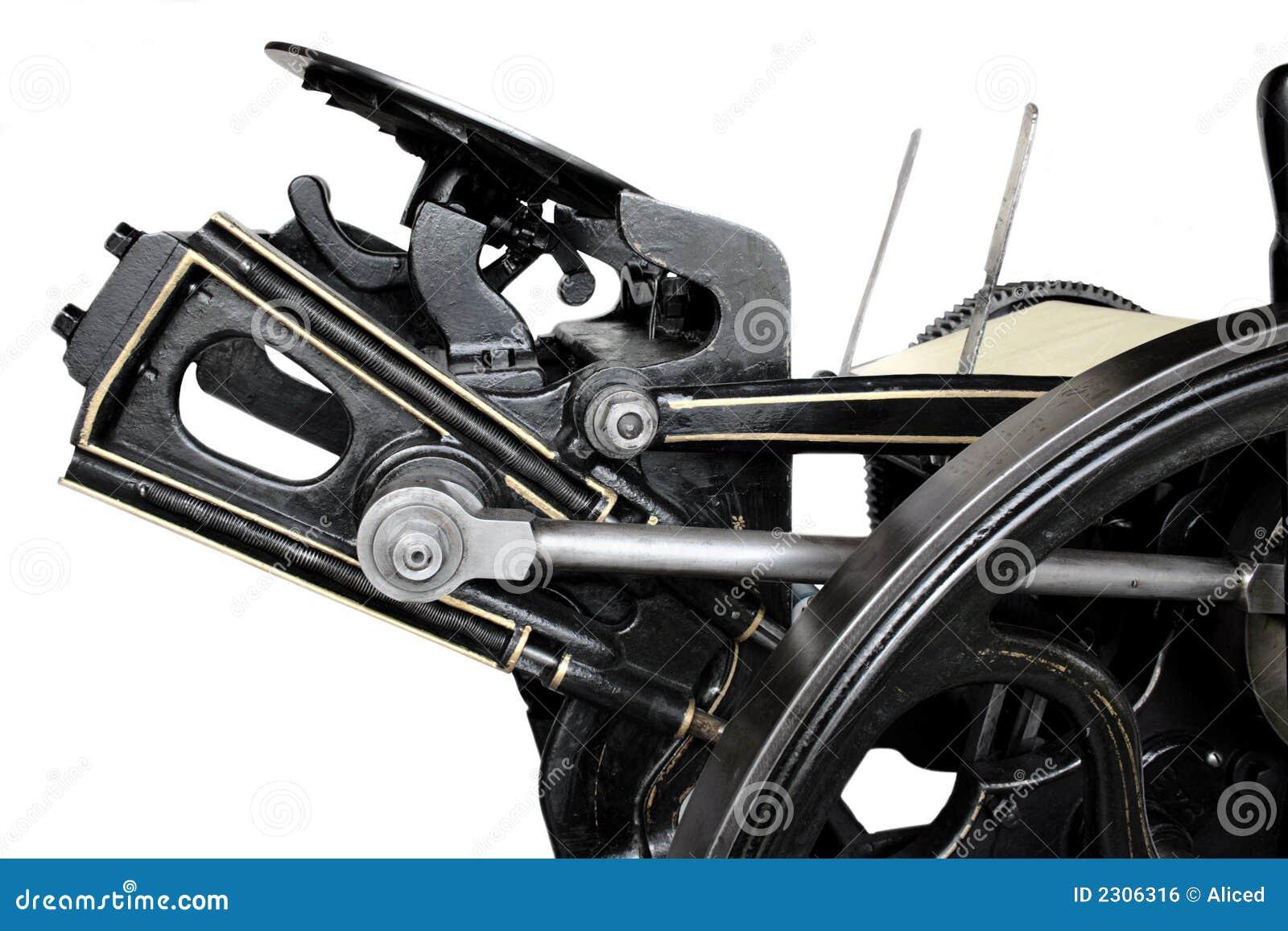 Vista lateral de la prensa antigua
