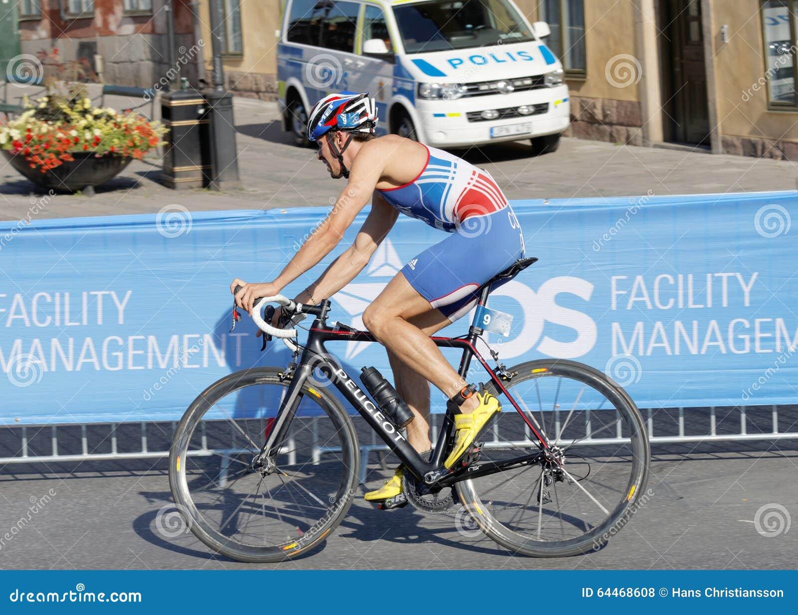 Vista lateral del ciclista Dorian Coninix
