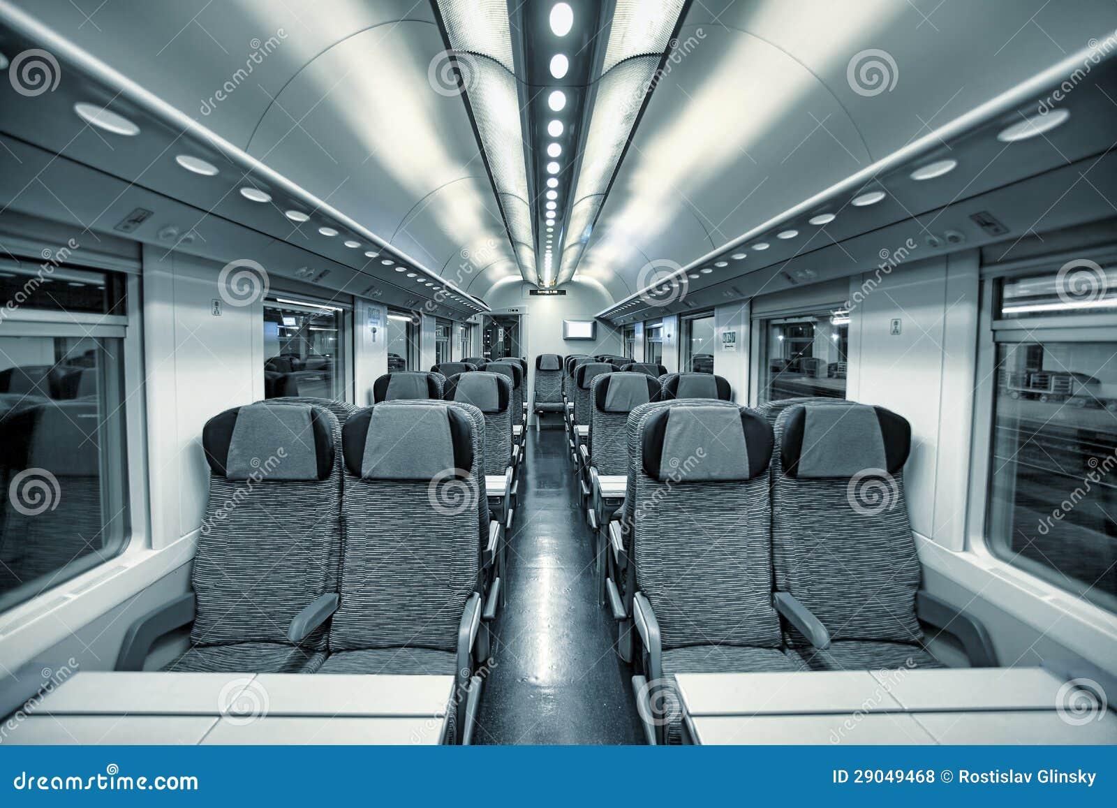 Vista moderna dell 39 interno della vettura del treno for Interno delle piantagioni del sud