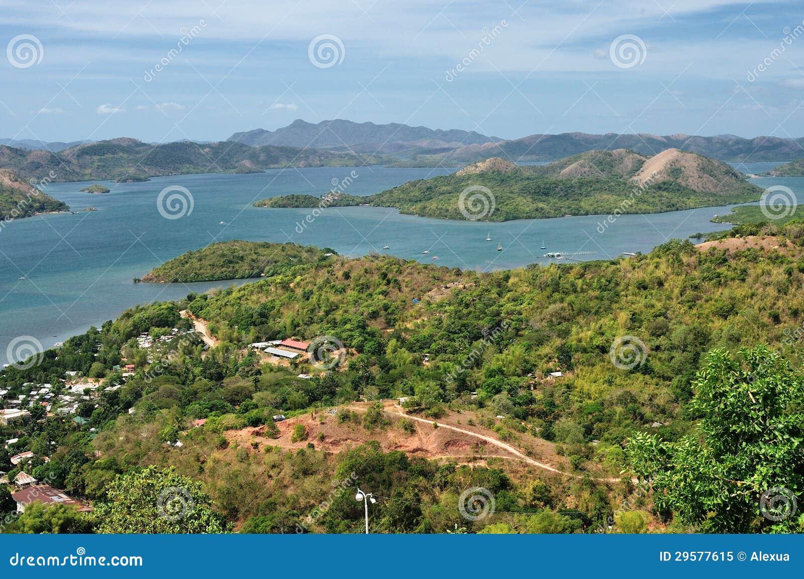 Vista nas ilhas pequenas de Filipinas