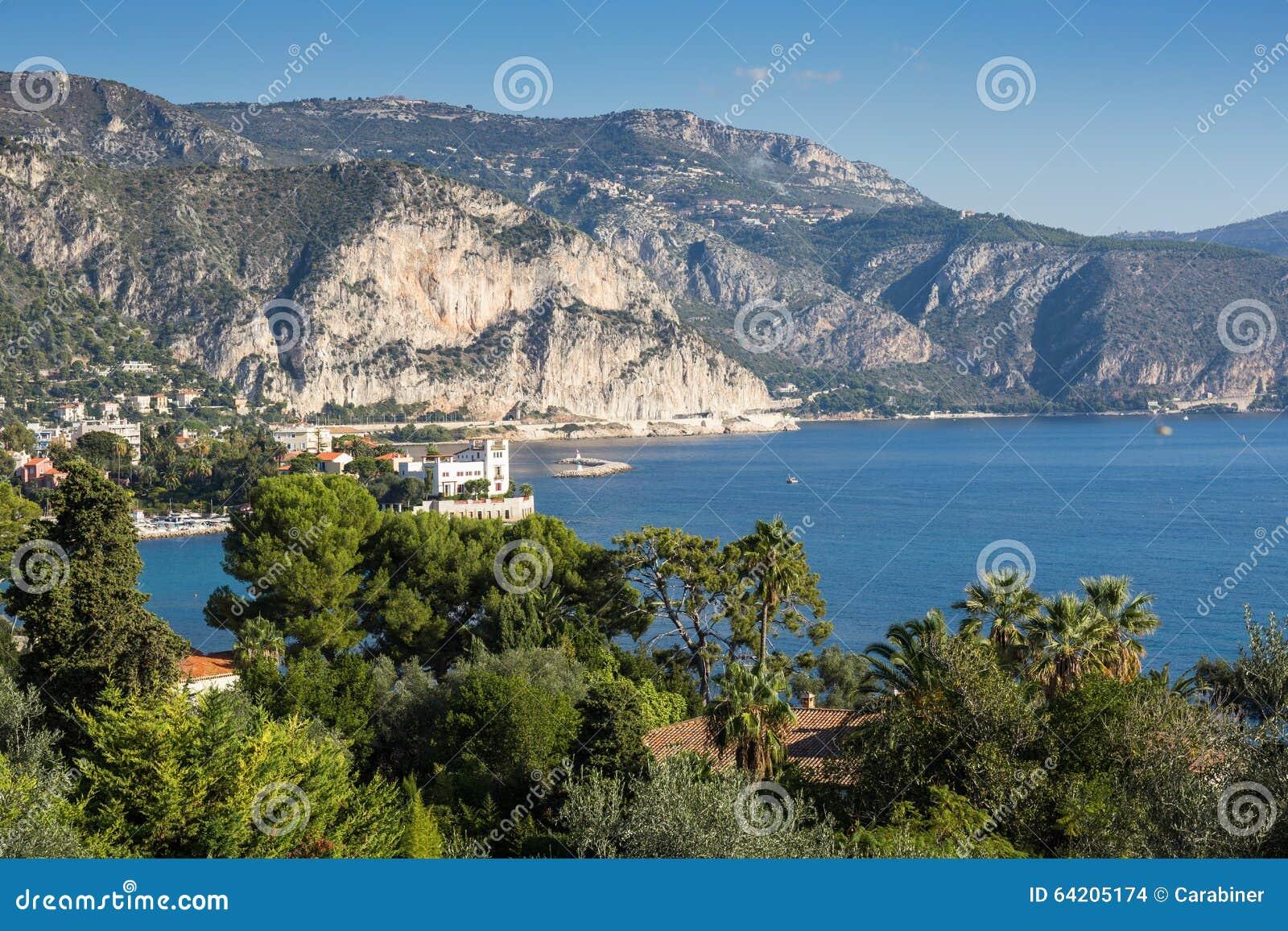 Vista panorámica de Cote d Azur cerca de la ciudad de Villefranche