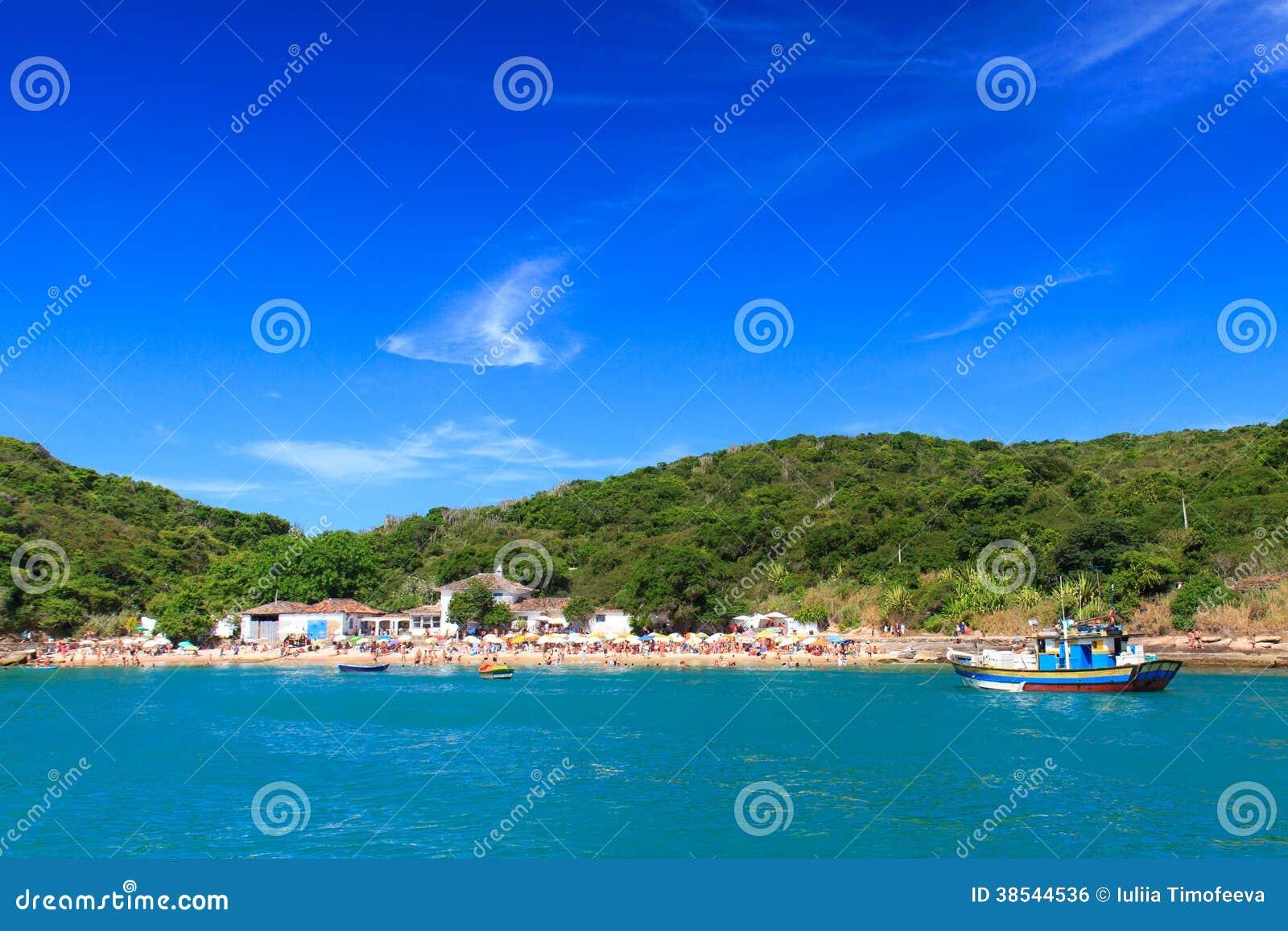 Vista panorámica de la playa Azeda, Búzios, el Brasil