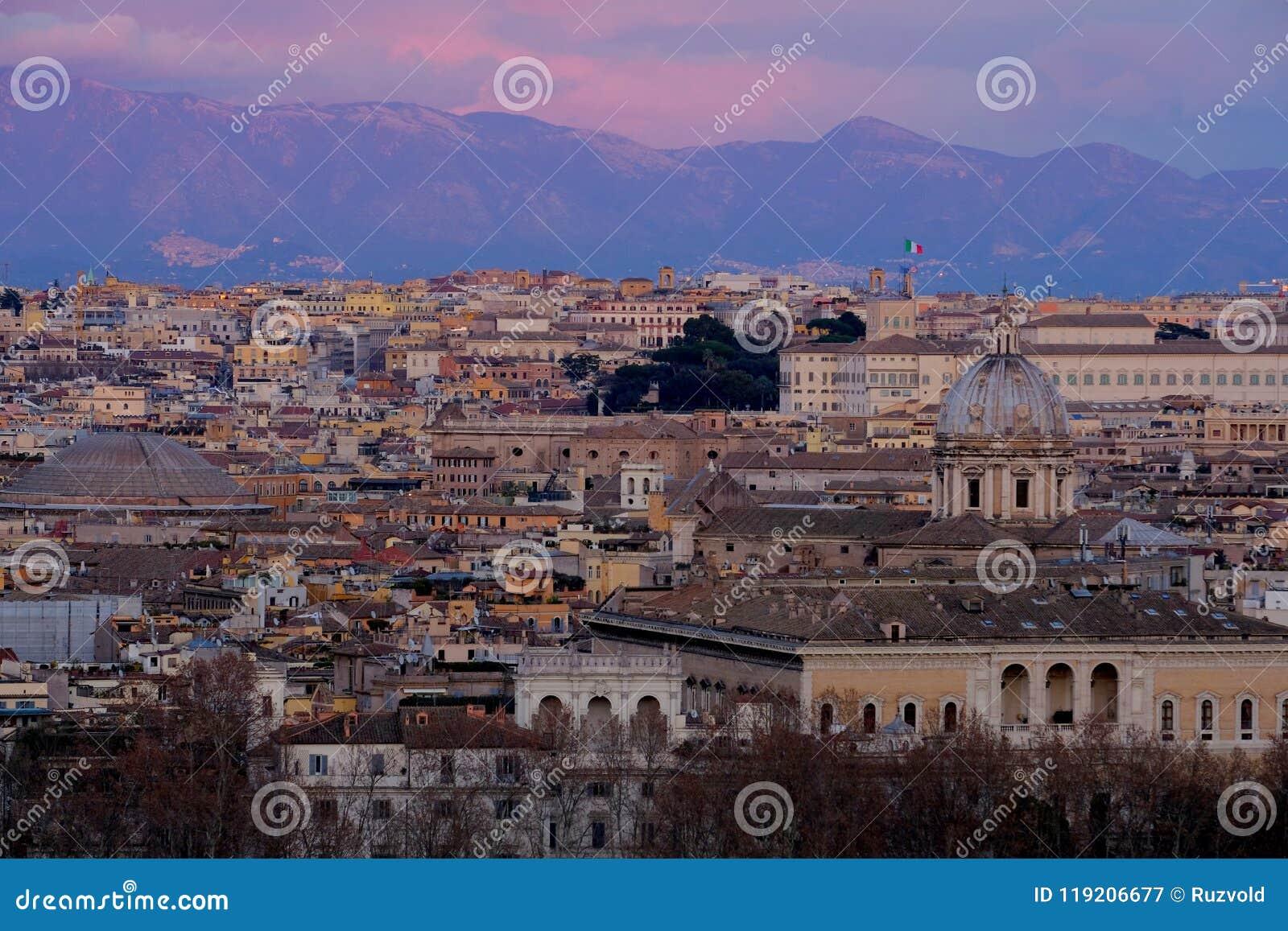 Vista Panorámica De Roma De La Altura Italia Imagen De