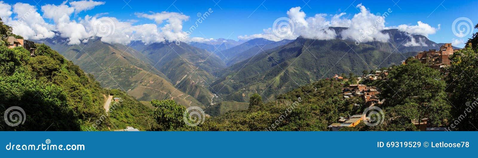 Vista panorâmica de Coroico, Yungas, Bolívia