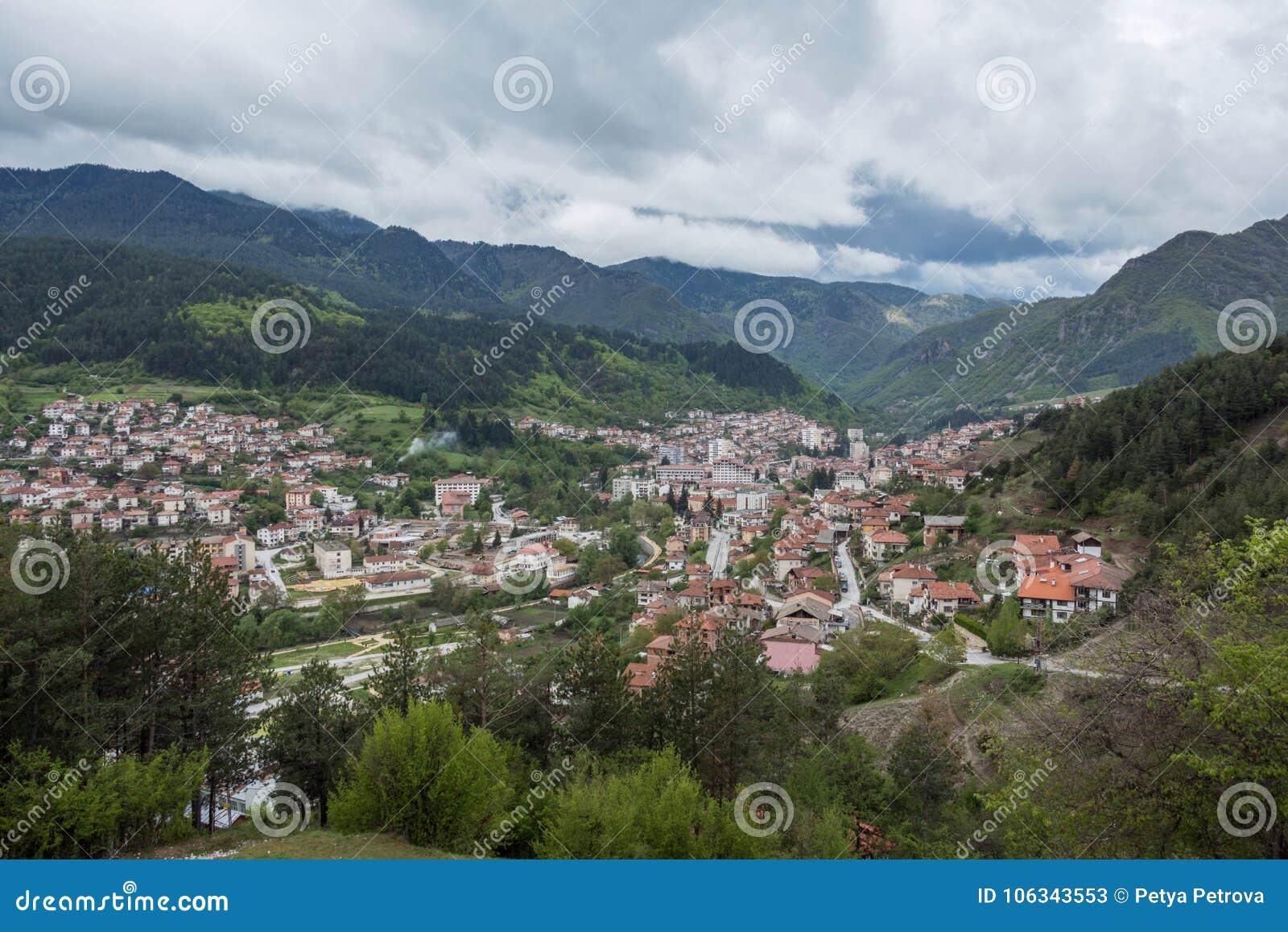 Vista panorâmica de Devin, Bulgária