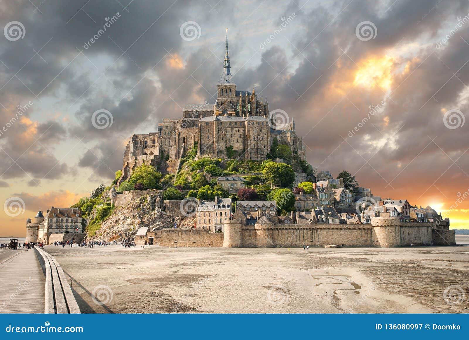 Vista panorâmica de Le famoso Mont Saint Michel