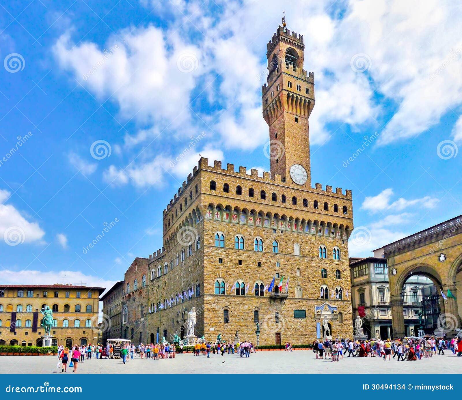 Vista panorâmica do della famoso Signoria da praça com Palazzo Vecchio em Florença, Toscânia, Itália