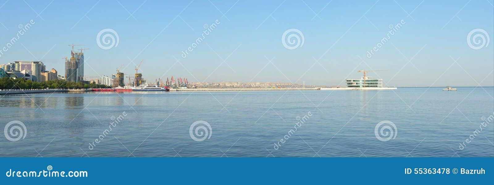 Vista panoramica della baia di Bacu