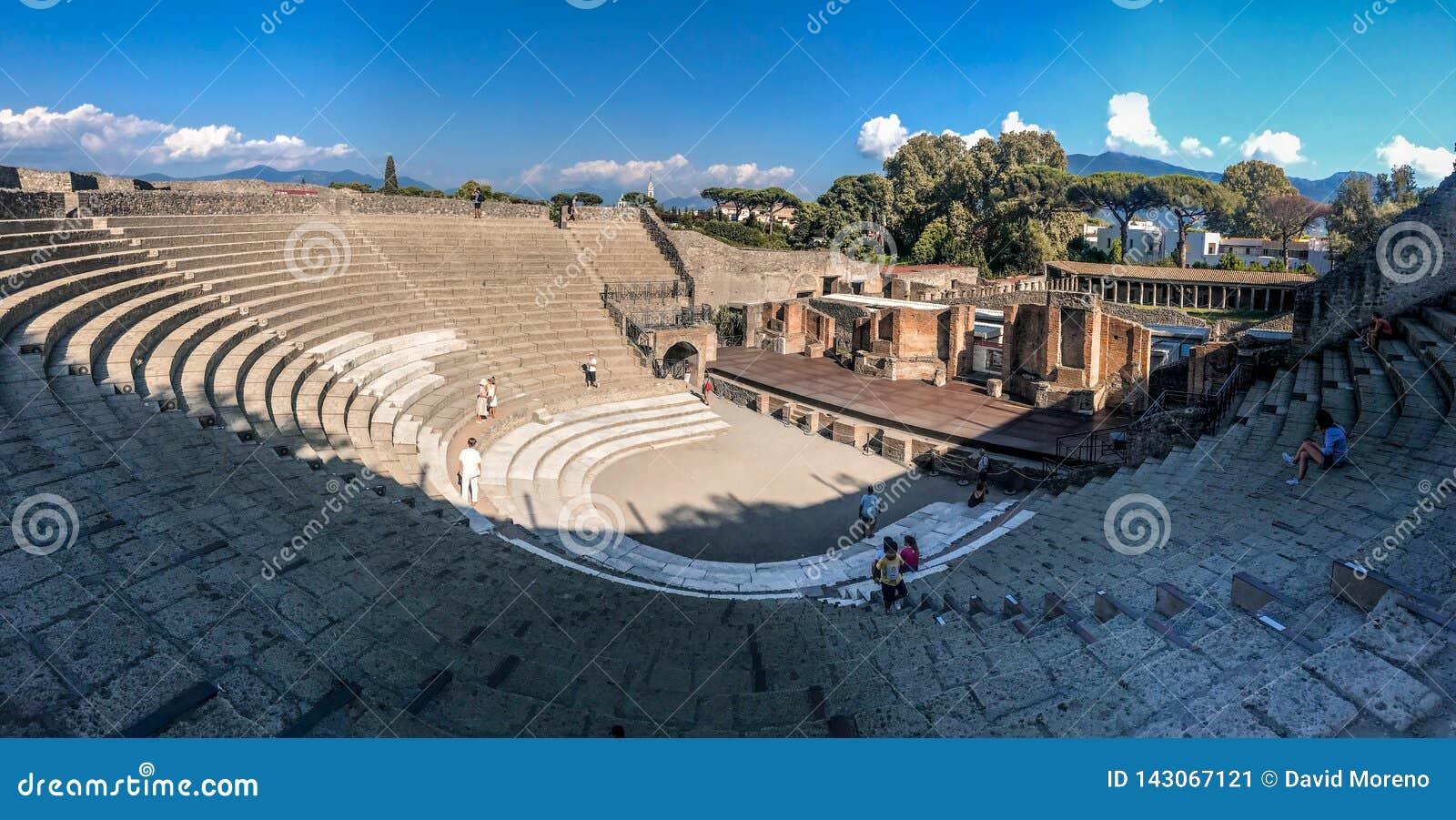 Vista panoramica delle rovine romane antiche di Ercolano