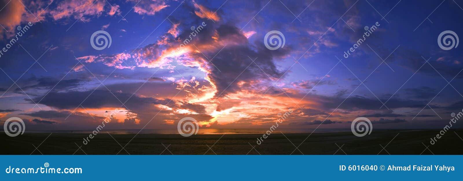 Vista panoramica di alba