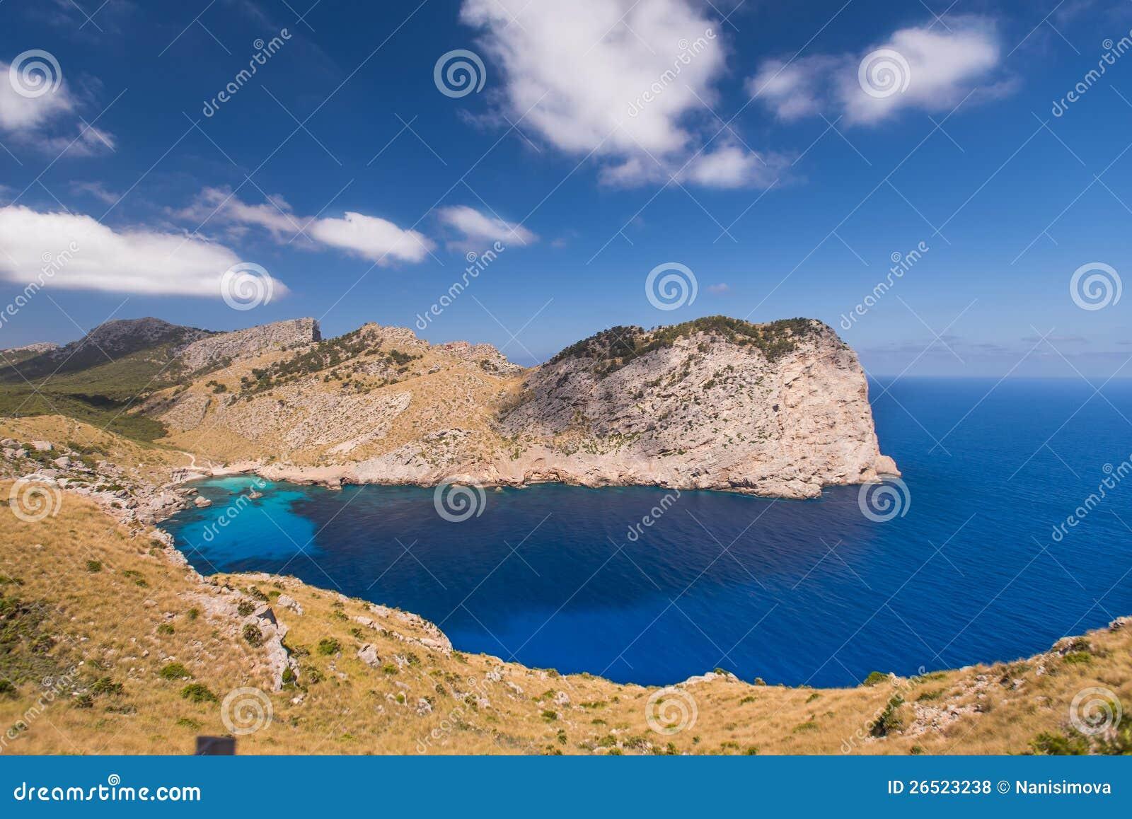 Vista romantica della baia Formentor
