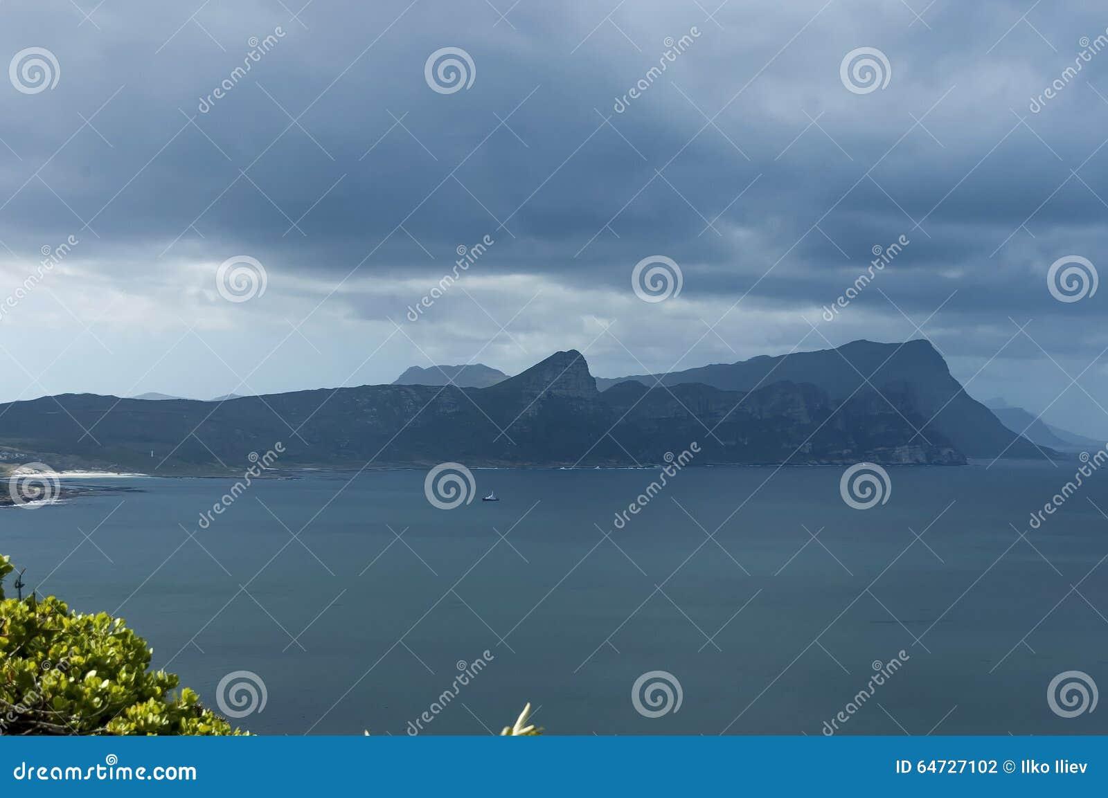 Vista scenica alla baia ed alla penisola del Capo false