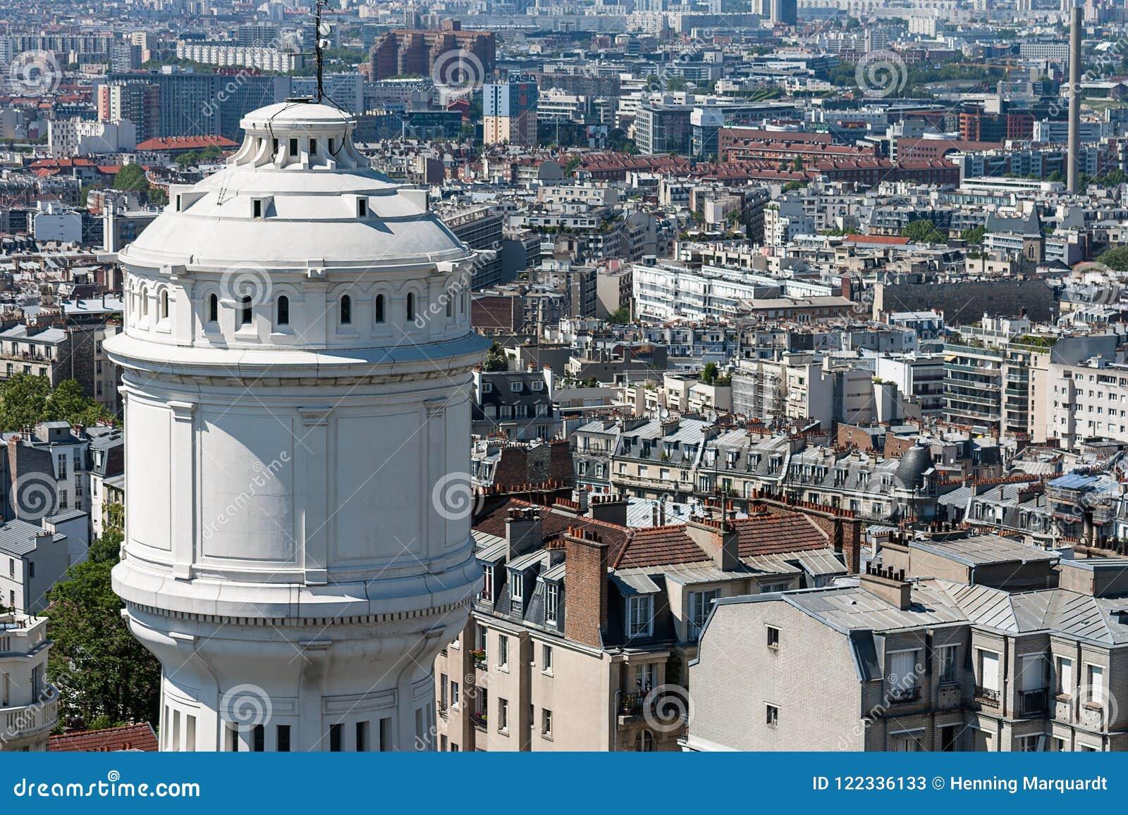 Vista sobre os telhados da cidade de Paris, Paris, França, Europa